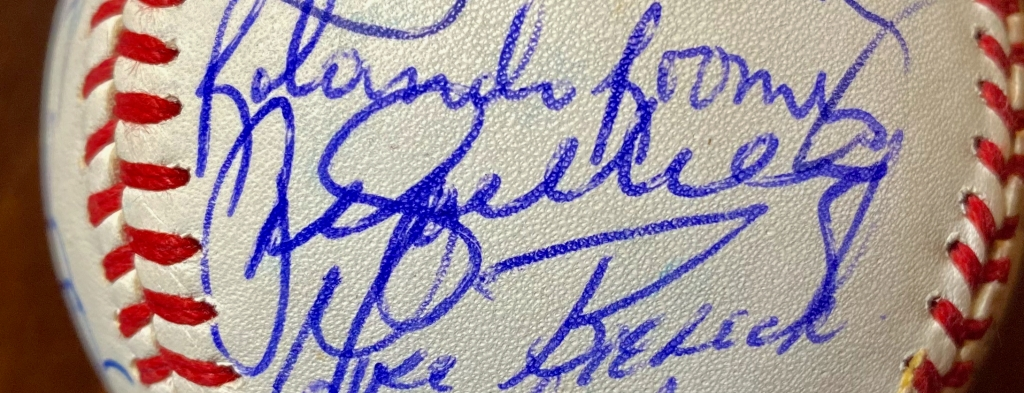 Ryne Sandberg 1988 Chicago Cubs Team Signed Baseball